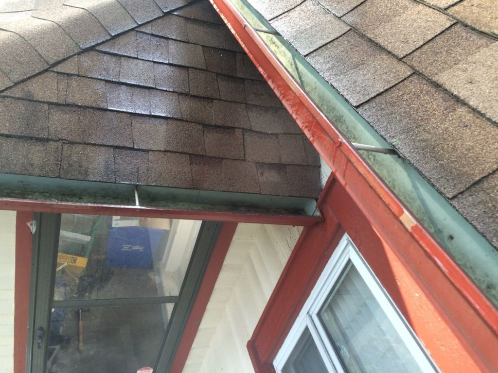 gutter-cleaning-kansas-city-mo