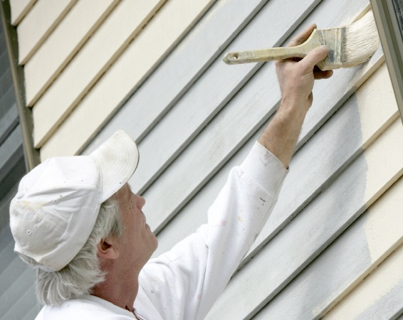 Cleaning Mildew From Wood Before Painting