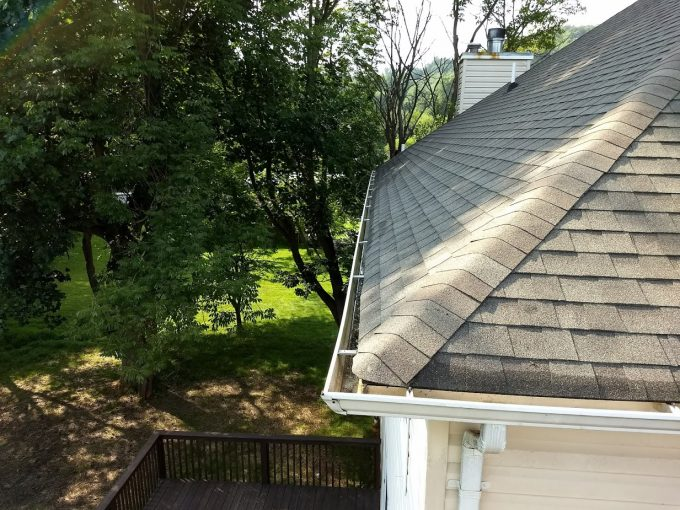 How to clean gutters yourself and why you should avoid it clean august 16 2018 august 18 2018 jbyrdbest way to properly clean your gutters diy gutter cleaning gutter cleaning gutter cleaning cost gutter cleaning solutioingenieria Choice Image