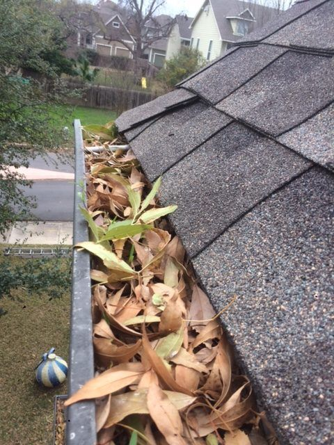 Gutter Cleaning Near Austin, Gutter Cleaner Near Austin