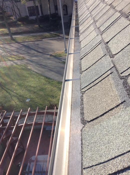 Gutter Cleaning Service Near Grosse Point, Gutter Cleaner Near Grosse Point