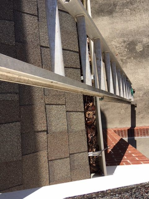 Gutter Cleaning Near Shepherdsville, Gutter Cleaner Near Shepherdsville