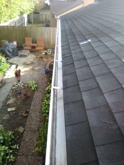 Gutter Cleaning Service Near Houston, Gutter Cleaner Near Houston