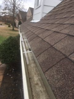 Gutter Cleaning Service Near Collierville, Gutter Cleaner Near Collierville