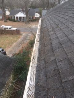Gutter Cleaning Service Near Memphis, Gutter Cleaner Near Memphis