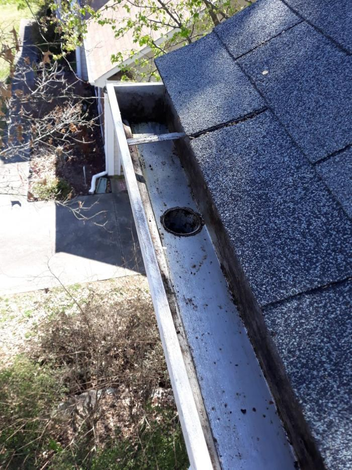Gutter Cleaning Service Near Charlotte, Gutter Cleaner Near Charlotte,